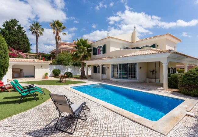 Holiday home for rent Luz Portugal with Private pool