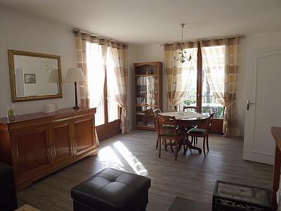 courrensan maison louer dans le gers courrensan. Black Bedroom Furniture Sets. Home Design Ideas