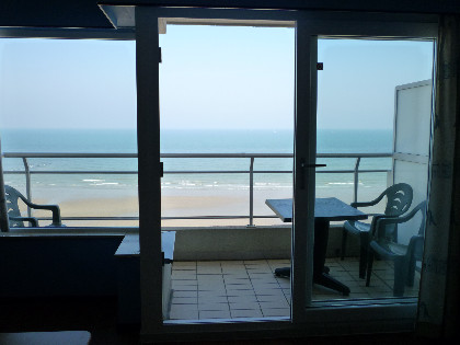 Holiday apartment with sea view in Middelkerke