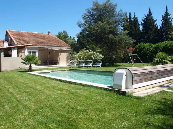 De Villa heeft St. Stephen van zandsteen (zwembad)