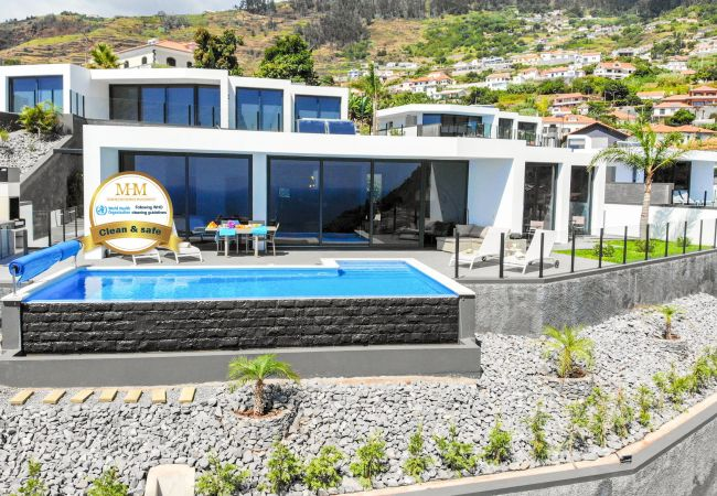 Holiday home for rent Arco Da Calheta Portugal with Private pool