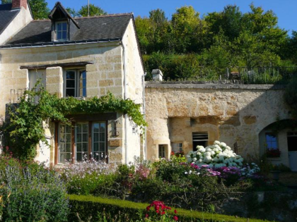 Maison Troglodytique pour 4 personnes à VILLAINES LES ROCHERS à partir de 380€/semaine