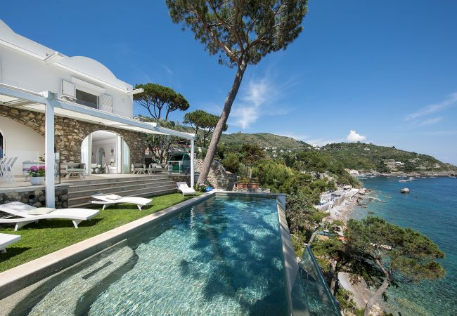 Holiday home for rent Nerano Italie with Private pool