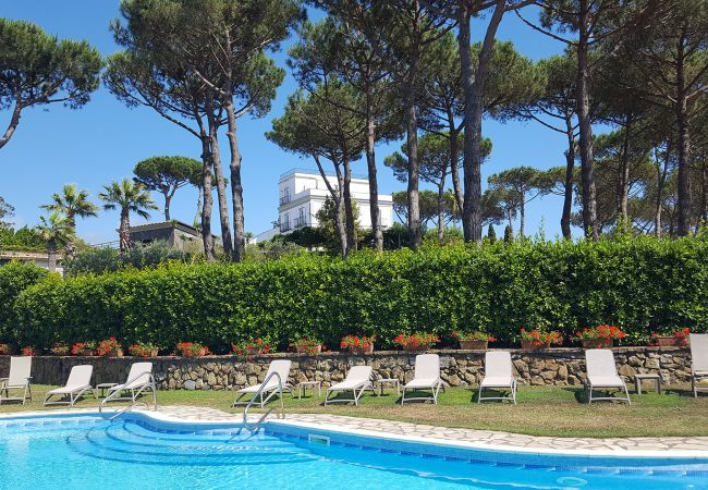 Holiday home for rent Sant´agata Sui Due Golfi Italie with Private pool