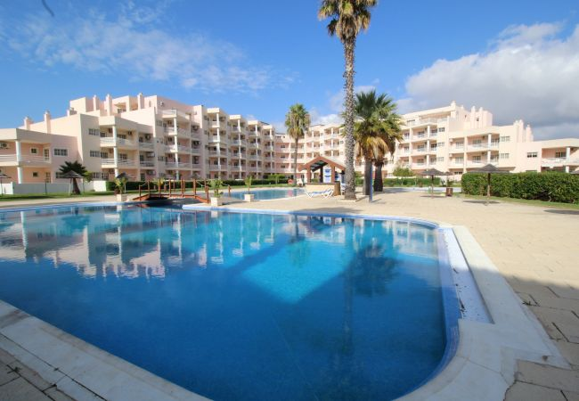 Apartment for rent Praia Do Vau Portugal with Pool to share