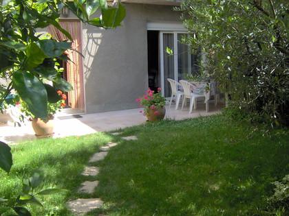 Aan de voet van de stad van Carcassonne T3-appartement met tuin, garage en wifi