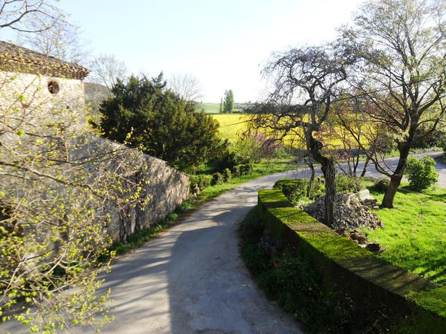 Les Péris: charming guest rooms in châteaudouble in Drôme
