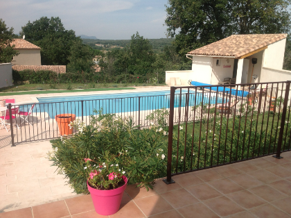 New villa with pool in Uzès