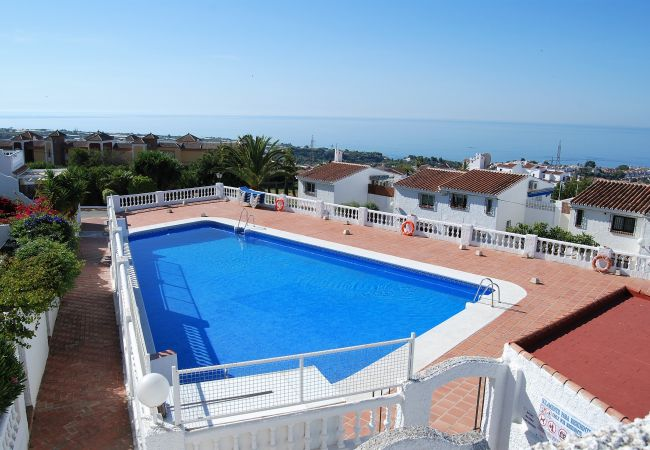 Apartment for rent Nerja Espagne with Pool to share