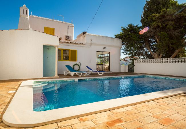 Holiday home for rent Carvoeiro Portugal with Private pool