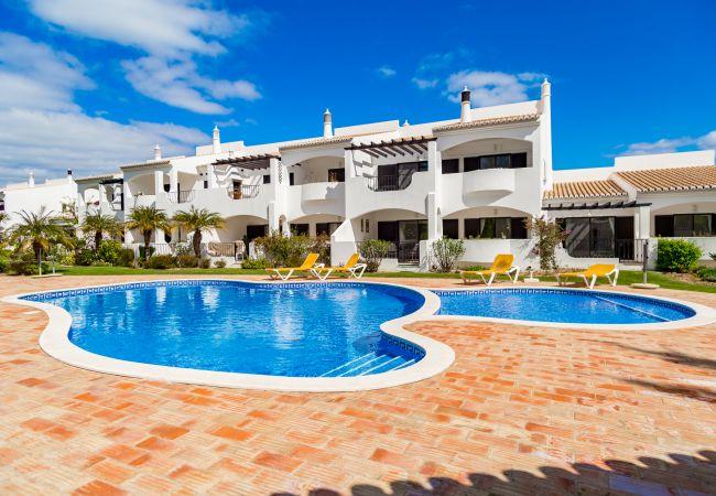 Apartment for rent Alvor Portugal with Pool to share