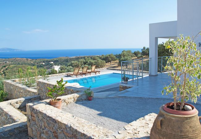 Holiday home for rent Agia Galini Grèce with Private pool
