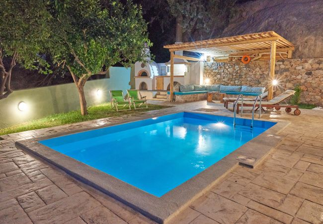 Holiday home for rent Rodakino Grèce with Private pool