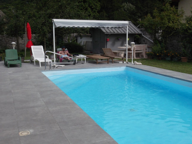 F1bis apartment at the bottom of a villa with swimming pool