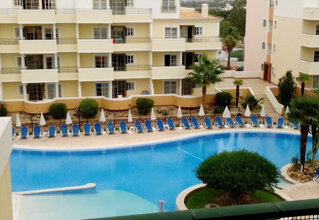 Apartment for rent Portimão Portugal with Pool to share