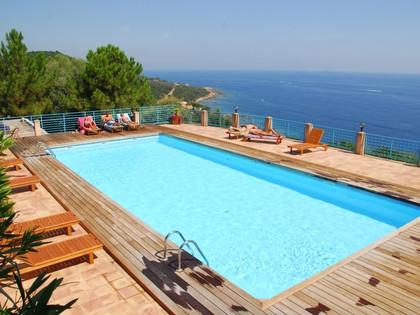 Locations appartements à Monte Marina avec vue mer panoramique et piscine chauffée