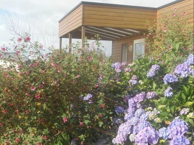 Mobil-Home met terras op privéterrein
