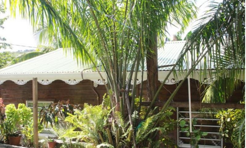 Joli bungalow entre ville et centre-ville à Rivière salée