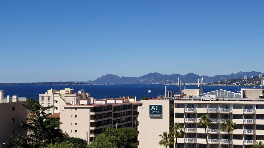 Helder 3-kamer appartement 75 m² panoramisch uitzicht op zee
