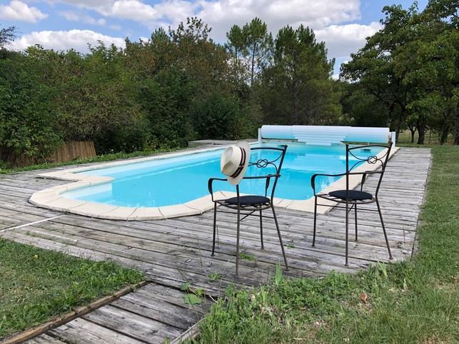 Maison avec piscine privative à 16210 Saint-Avit (charente)