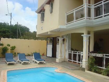 Grand baie villa louer l 39 le maurice for Campement a louer a maurice avec piscine