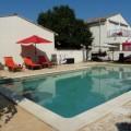 3 gites avec piscine  proche Nîmes