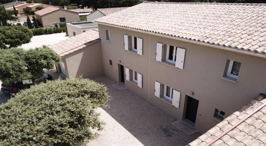 The Chesnaie and La Joliette, lodgings in Provençal Drôme