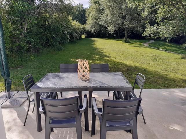 Maubec Cottage Rental (82500) 6 personen