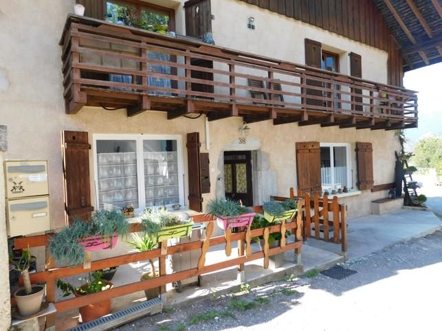 Appartement dans maison de village - Doussard