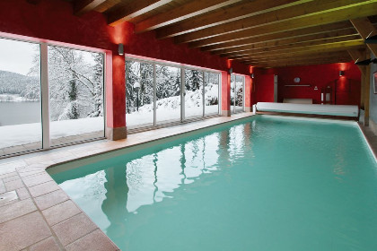 Gerardmer chalet grand standing piscine int rieure for Piscine a gerardmer
