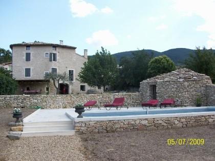 Location maison en pierre cereste