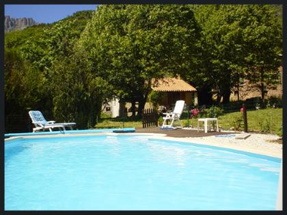 Castellane maison avec piscine dans les gorges du verdon for Piscine castellane