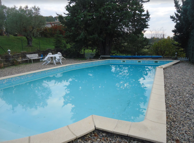 Landhuis met zwembad, 6000 m² land beoordeeld 4 sterren, prachtige omgeving