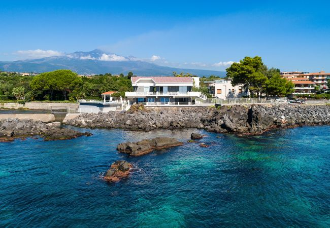 Holiday home for rent Stazzo Italie with Private pool