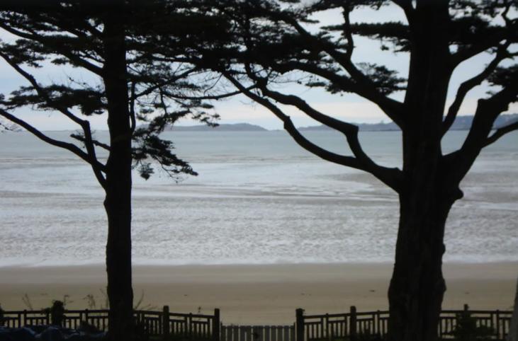 Bourgeois huis met park en directe toegang tot het strand