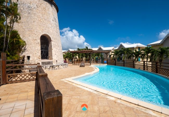 Apartment for rent Sainte-anne France with Pool to share