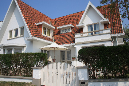 Grote villa te huur in de Haan
