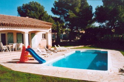 Roquebrune sur argens villa proven ale de caract re for Prix piscine carrelee