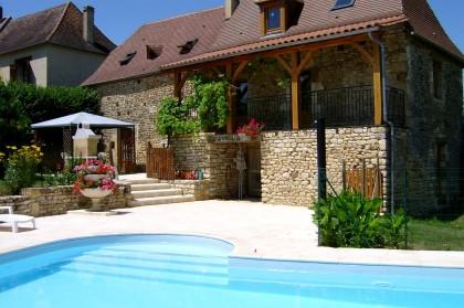 Plazac g te maison avec piscine en dordogne maisons for Maison avec piscine dordogne