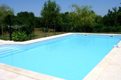 Plazac g te maison avec piscine en dordogne maisons for Piscine en dordogne