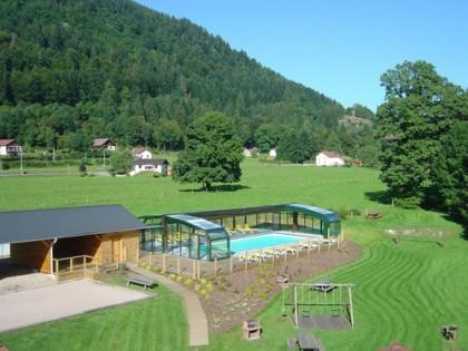 Rochesson piscine jacuzzi sauna pr s la bresse g rardmer for Piscine gerardmer