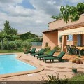 Maison à louer en Provence à Grans