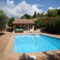 villa avec piscine privée calme assuré
