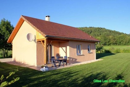 Rent Cottages in the Jura: Gites Les Charmilles