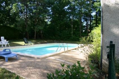 Saint l on sur v z re maison avec piscine dordogne for Maison dordogne avec piscine