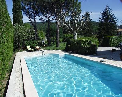 Malauc ne la boh me g te avec coin piscine terrasse for Week end piscine privee