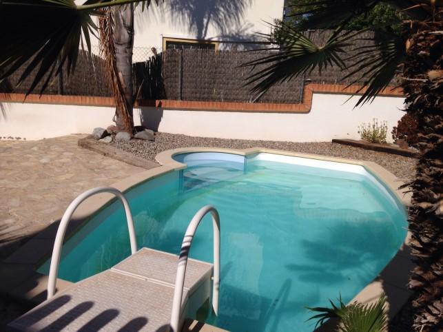 Calafell maison debout sur piscine priv e maisons de for Week end piscine privee