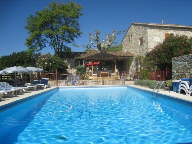 Mons gites piscine uzes ales for Piscine depot uzes