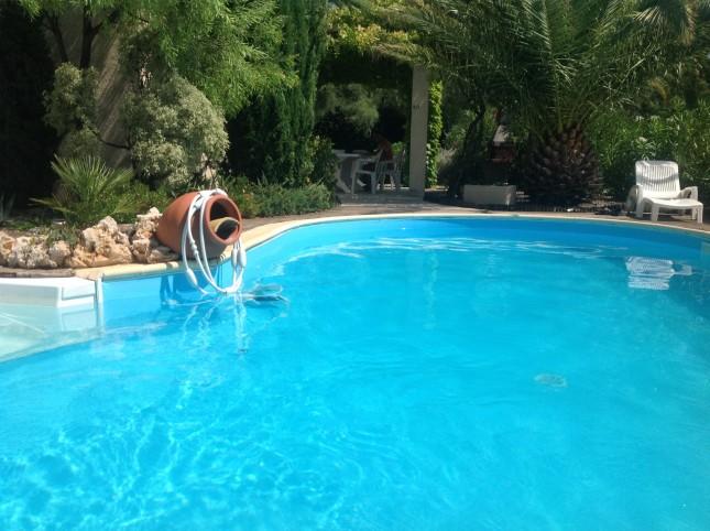 Laurens villa avec piscine priv e chauff e pour 8 9 pers for Villa a louer avec piscine privee