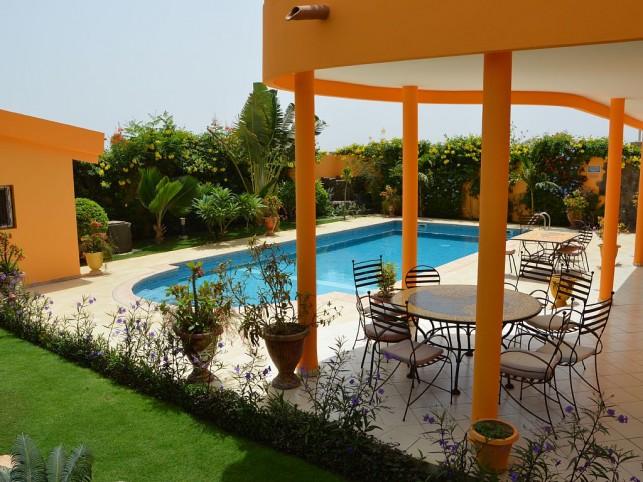 Saly saly petite c te maison avec piscine 10 personnes - Maison a louer vacances avec piscine ...